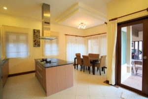 Villa Kitchen and Dining Table