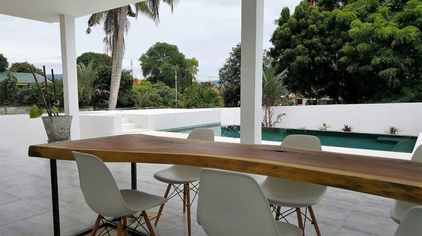House Outdoor Table